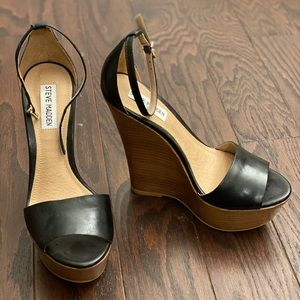 Steve Madden SZ 6 / Brand New Black Wedges